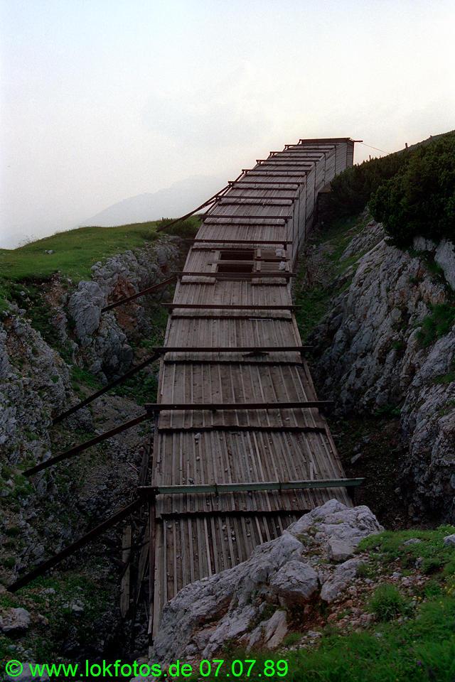 http://www.lokfotos.de/fotos/1989/0707/09598.jpg