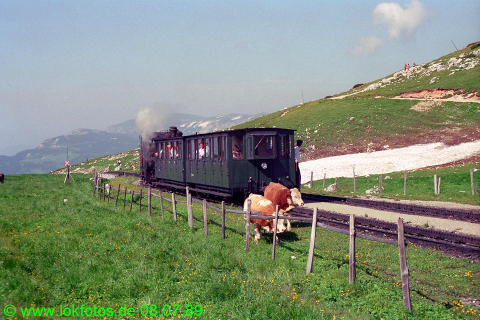http://www.lokfotos.de/fotos/1989/0708/09606.jpg