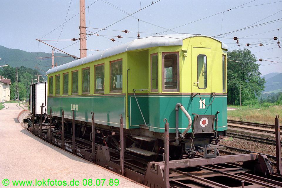 http://www.lokfotos.de/fotos/1989/0708/09619.jpg