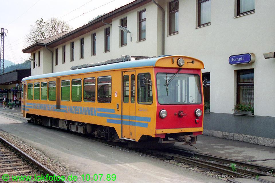 http://www.lokfotos.de/fotos/1989/0710/09664.jpg