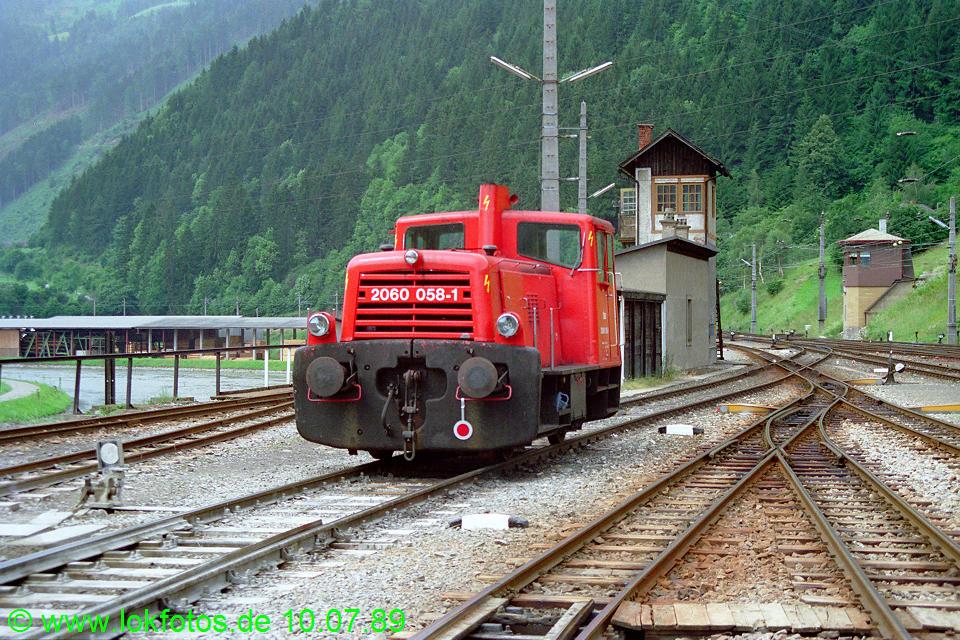 http://www.lokfotos.de/fotos/1989/0710/09666.jpg