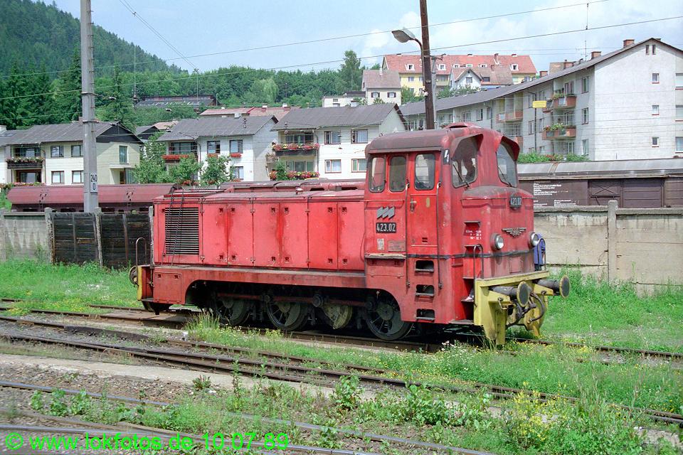 http://www.lokfotos.de/fotos/1989/0710/09669.jpg