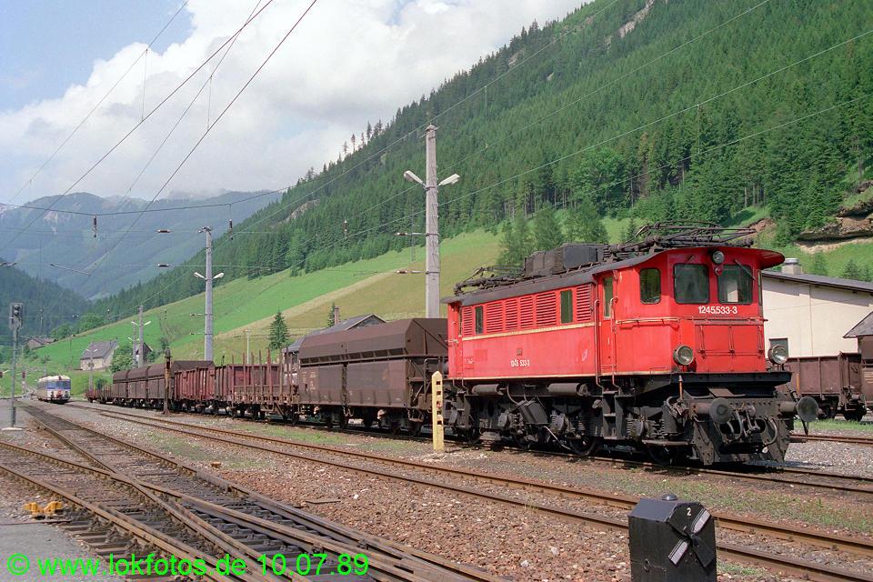http://www.lokfotos.de/fotos/1989/0710/09687.jpg