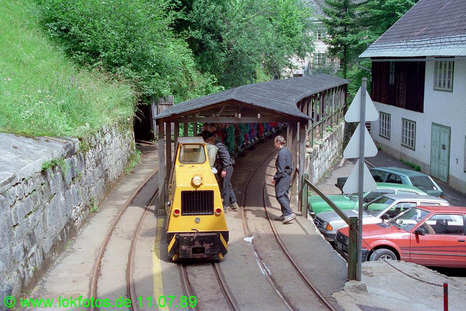 http://www.lokfotos.de/fotos/1989/0711/09701.jpg