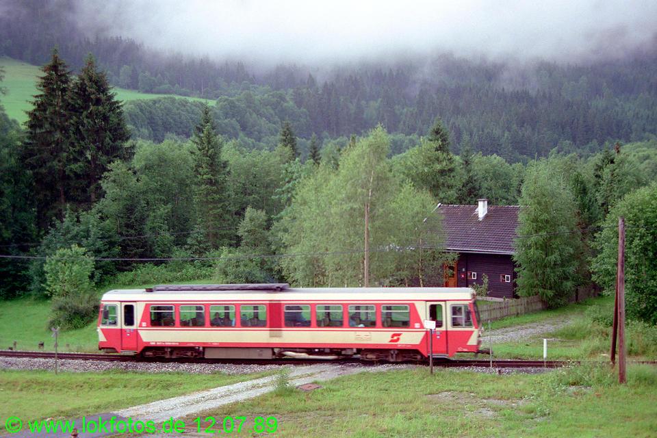 http://www.lokfotos.de/fotos/1989/0712/09715.jpg