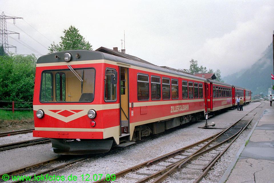 http://www.lokfotos.de/fotos/1989/0712/09718.jpg