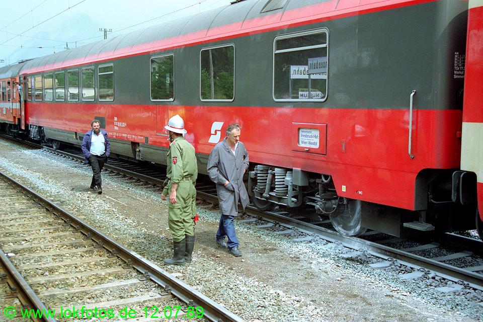 http://www.lokfotos.de/fotos/1989/0712/09740.jpg
