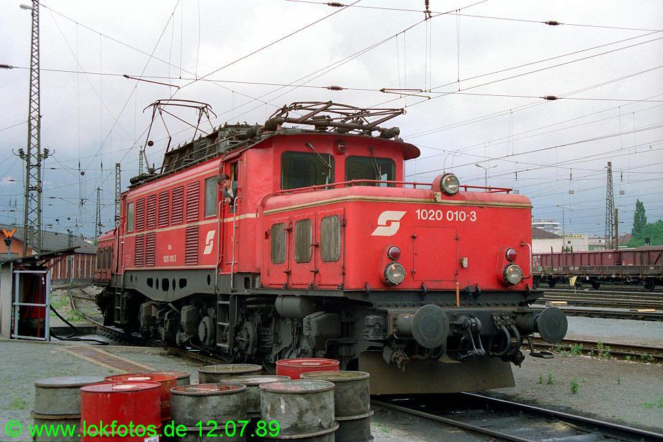 http://www.lokfotos.de/fotos/1989/0712/09748.jpg