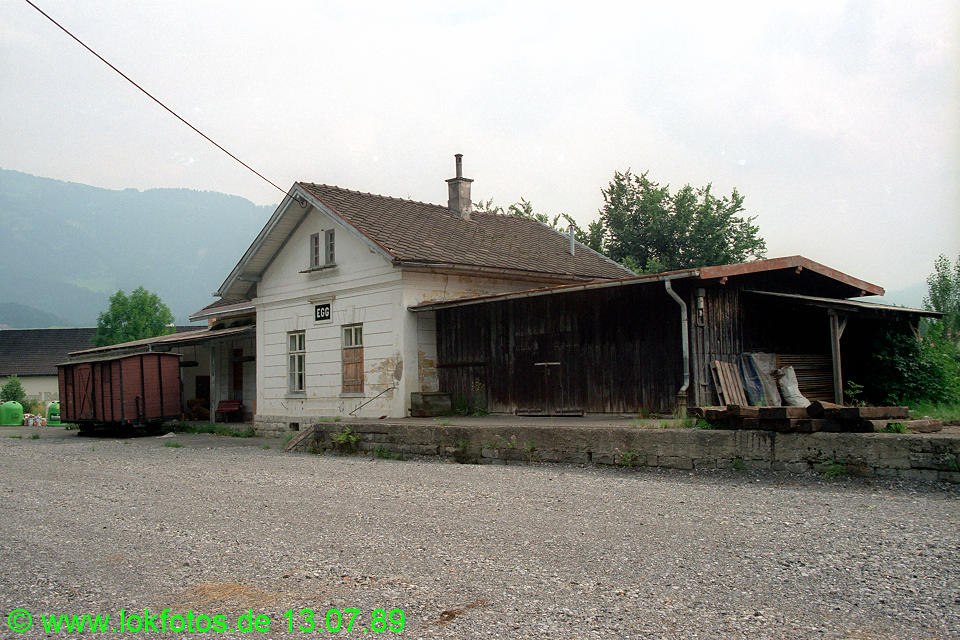 http://www.lokfotos.de/fotos/1989/0713/09781.jpg