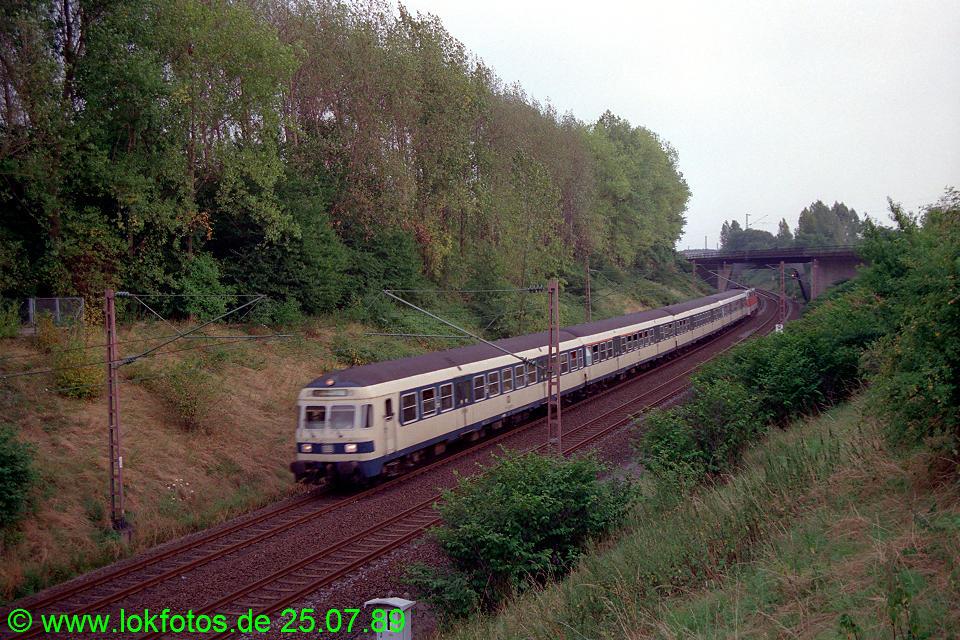 http://www.lokfotos.de/fotos/1989/0725/09816.jpg