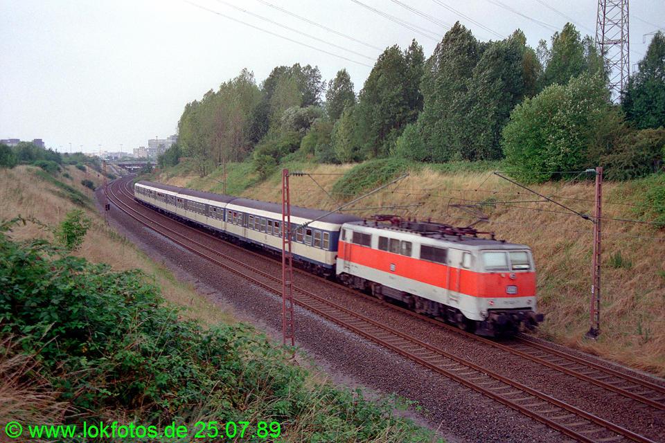 http://www.lokfotos.de/fotos/1989/0725/09817.jpg