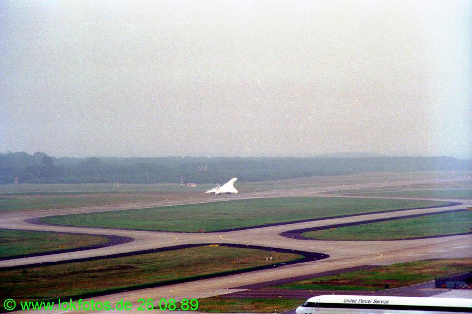 http://www.lokfotos.de/fotos/1989/0826/cc017.jpg