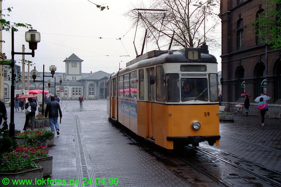 http://www.lokfotos.de/fotos/1990/0424/10095.jpg