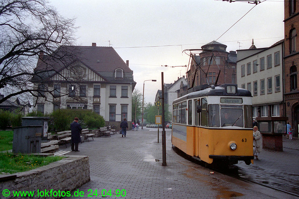 http://www.lokfotos.de/fotos/1990/0424/10102.jpg