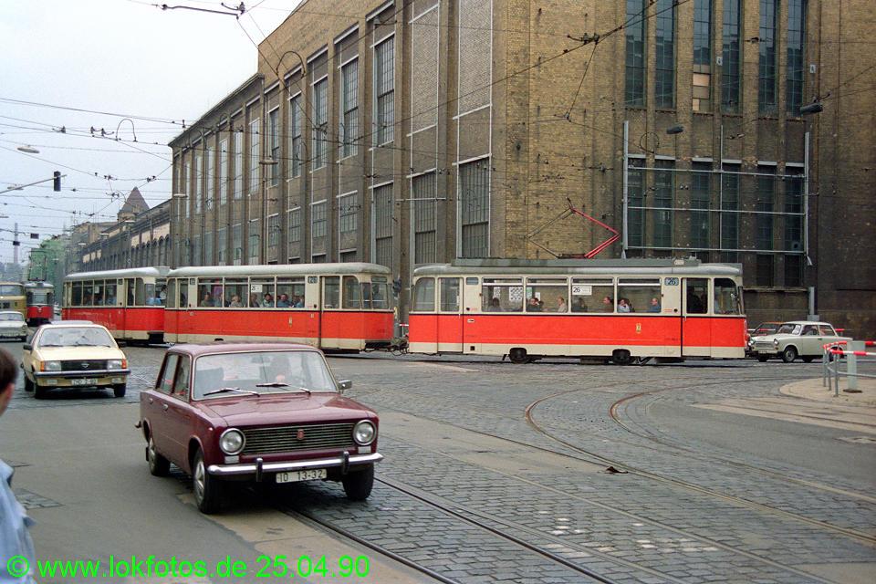 http://www.lokfotos.de/fotos/1990/0425/10122.jpg