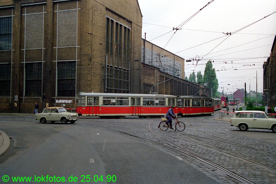 http://www.lokfotos.de/fotos/1990/0425/10123.jpg
