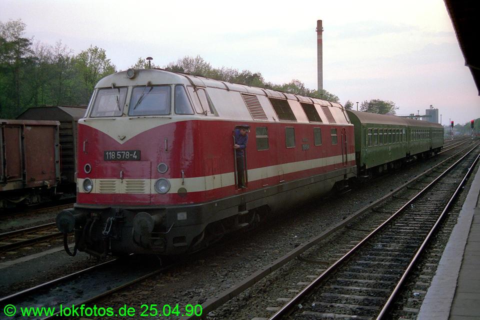 http://www.lokfotos.de/fotos/1990/0425/10156.jpg