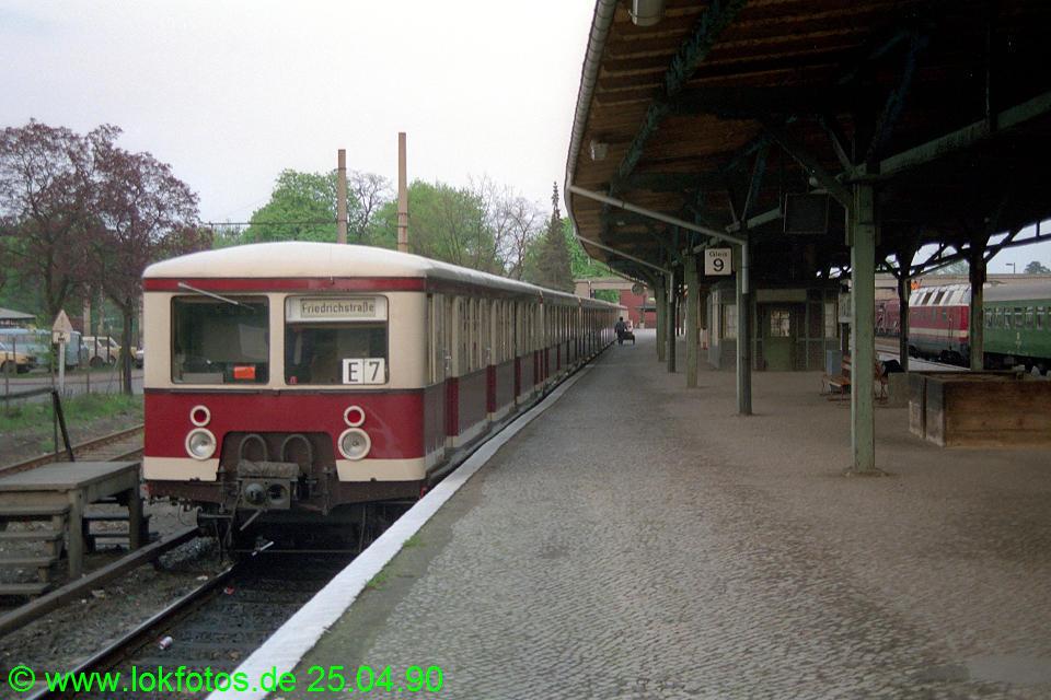 http://www.lokfotos.de/fotos/1990/0425/10158.jpg