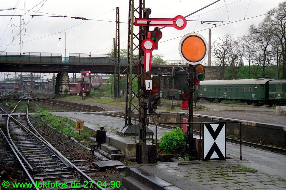 http://www.lokfotos.de/fotos/1990/0427/10200.jpg
