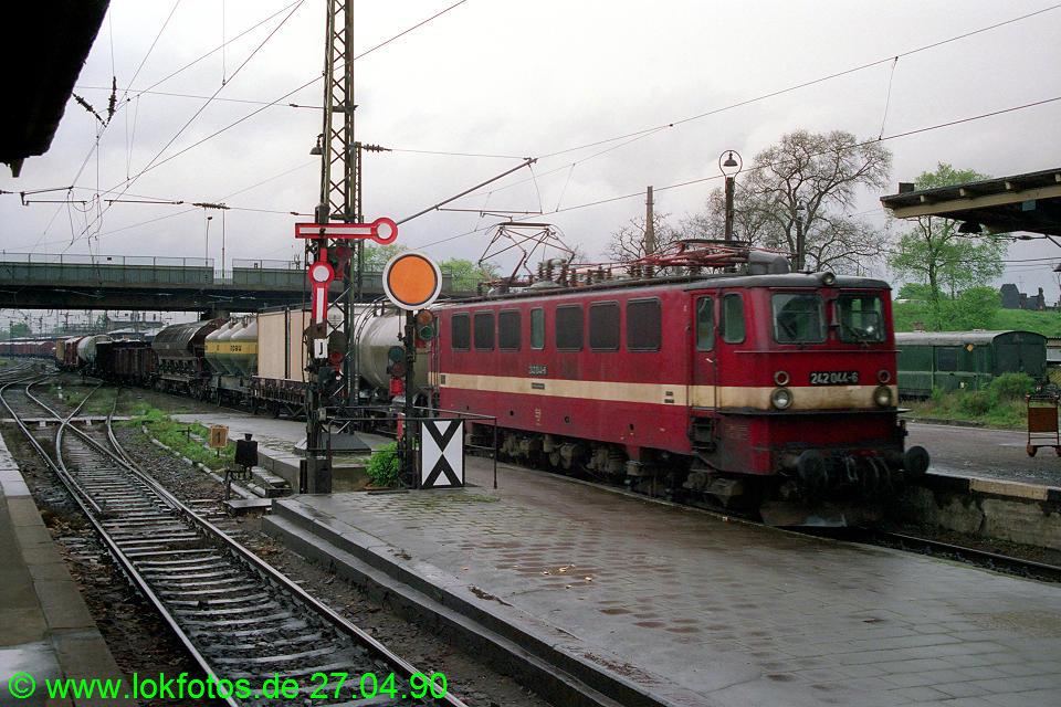 http://www.lokfotos.de/fotos/1990/0427/10203.jpg