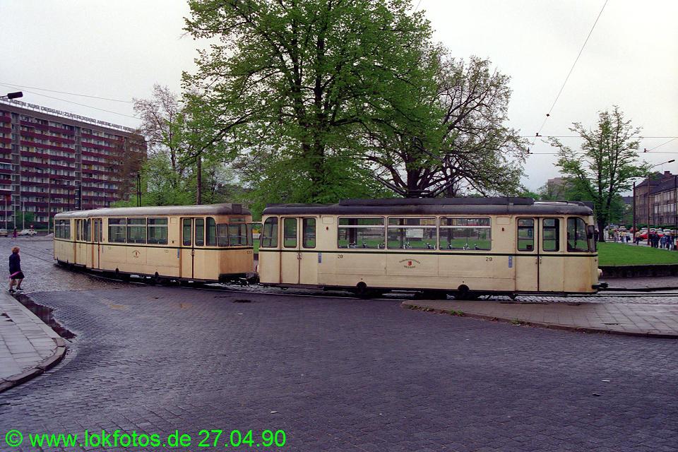 http://www.lokfotos.de/fotos/1990/0427/10204.jpg