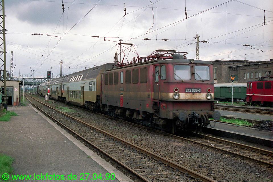 http://www.lokfotos.de/fotos/1990/0427/10210.jpg