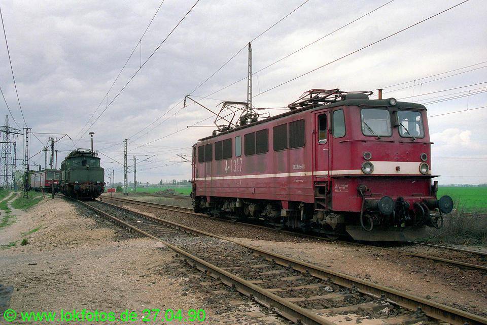 http://www.lokfotos.de/fotos/1990/0427/10218.jpg
