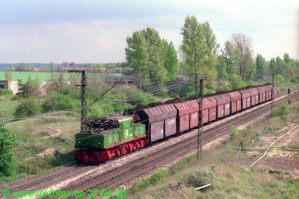 http://www.lokfotos.de/fotos/1990/0427/10220.jpg