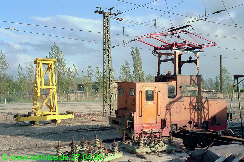 http://www.lokfotos.de/fotos/1990/0427/10233.jpg