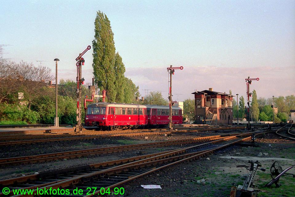 http://www.lokfotos.de/fotos/1990/0427/10238.jpg