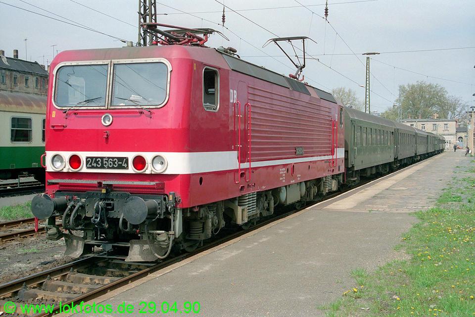 http://www.lokfotos.de/fotos/1990/0429/10264.jpg