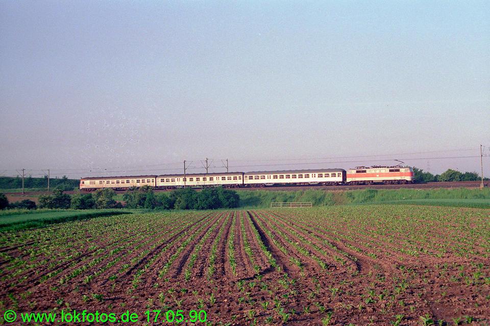 http://www.lokfotos.de/fotos/1990/0517/10288.jpg