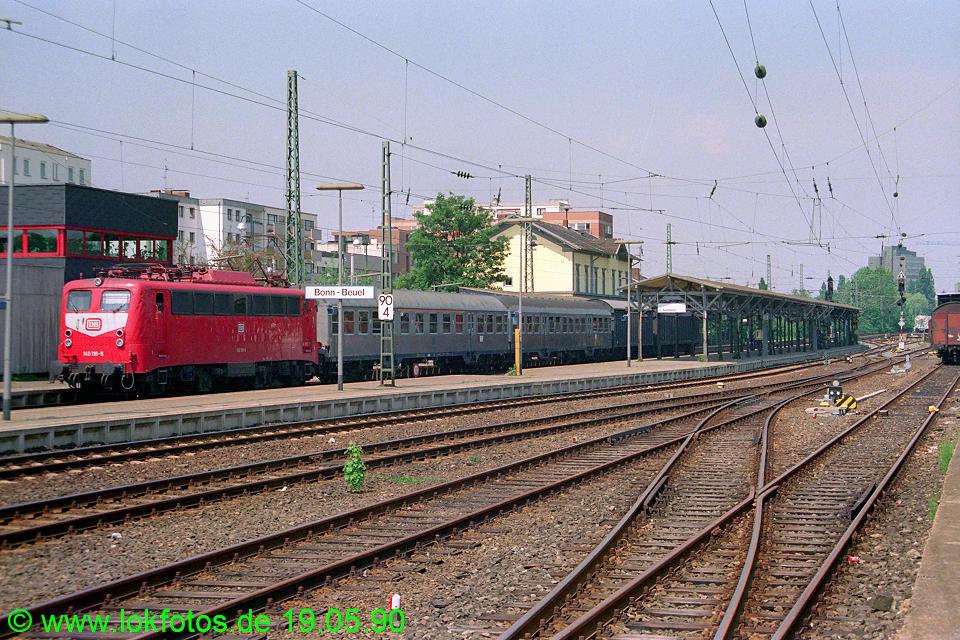 http://www.lokfotos.de/fotos/1990/0519/10290.jpg