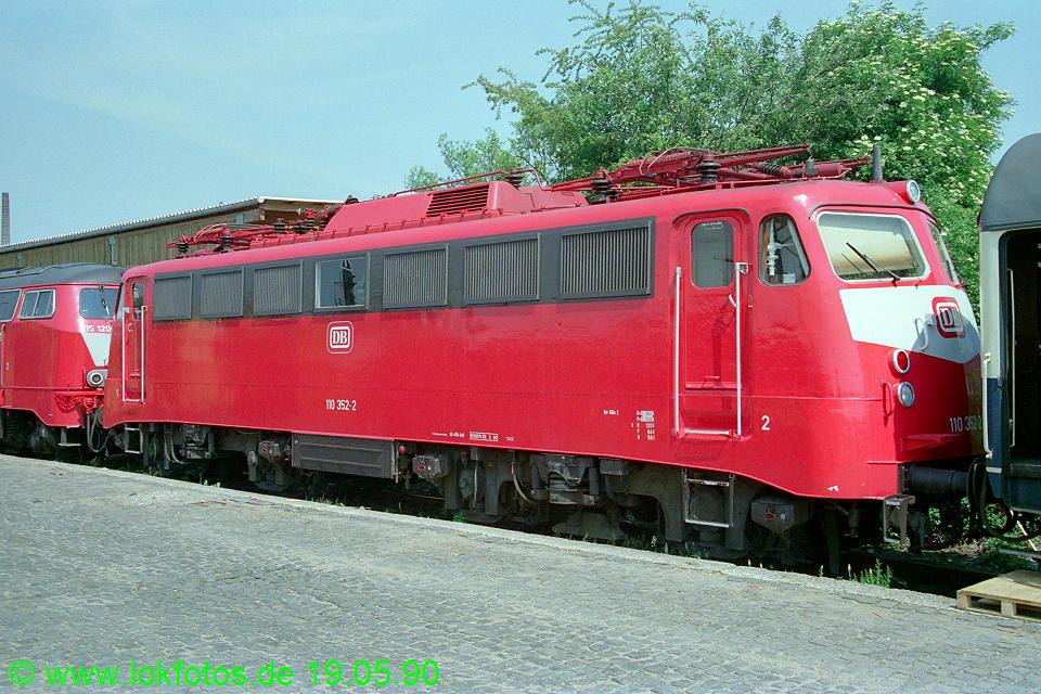 http://www.lokfotos.de/fotos/1990/0519/10291.jpg