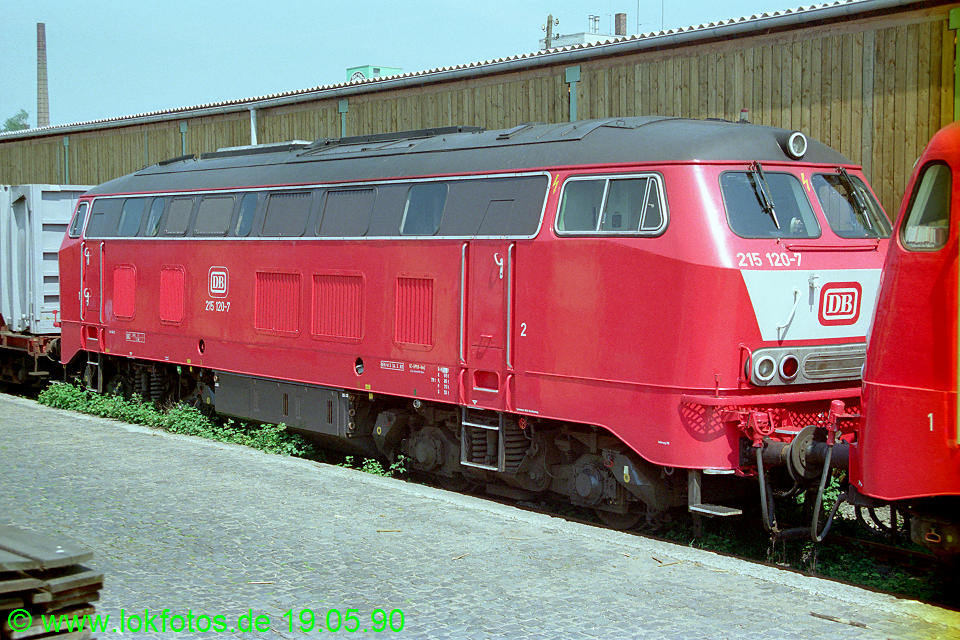 http://www.lokfotos.de/fotos/1990/0519/10292.jpg