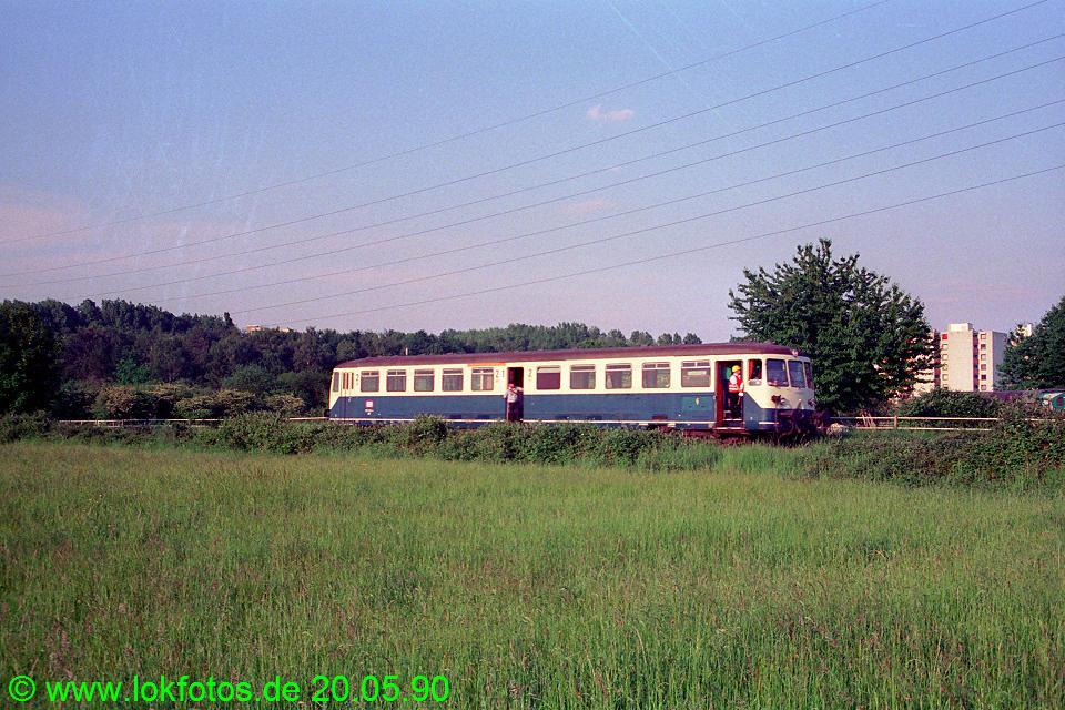 http://www.lokfotos.de/fotos/1990/0520/10299.jpg