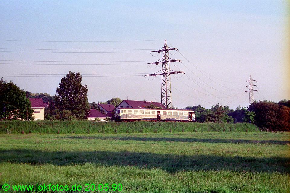 http://www.lokfotos.de/fotos/1990/0520/10300.jpg