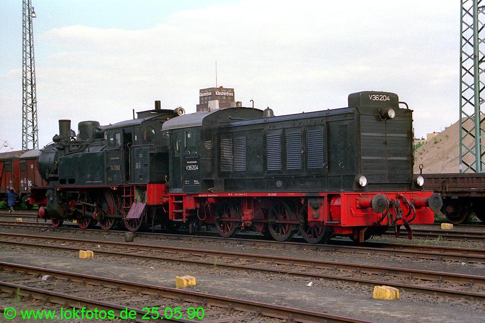 http://www.lokfotos.de/fotos/1990/0525/10306.jpg