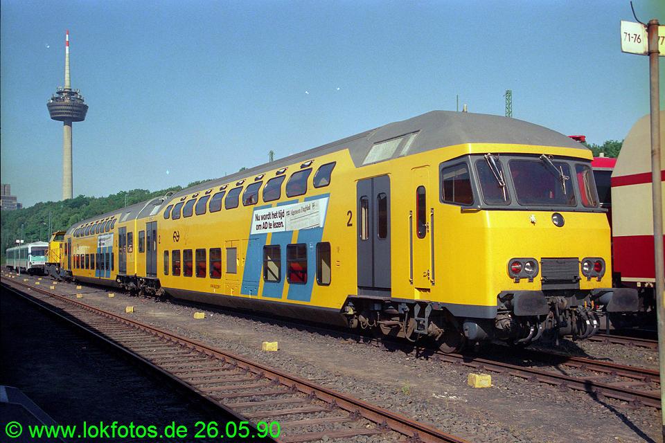 http://www.lokfotos.de/fotos/1990/0526/10324.jpg