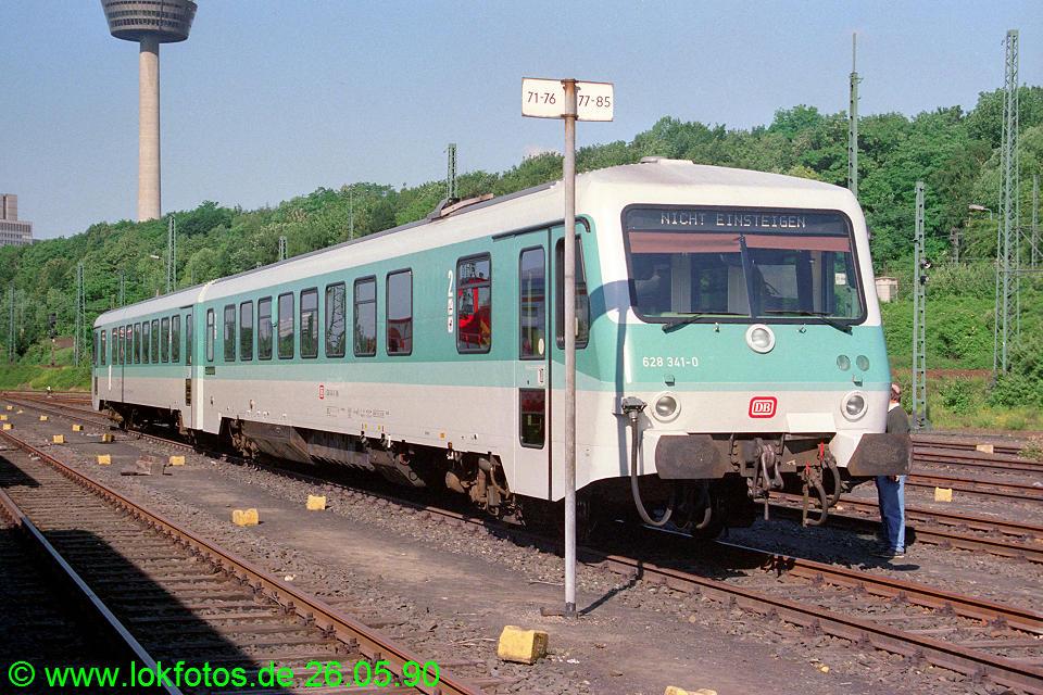 http://www.lokfotos.de/fotos/1990/0526/10328.jpg