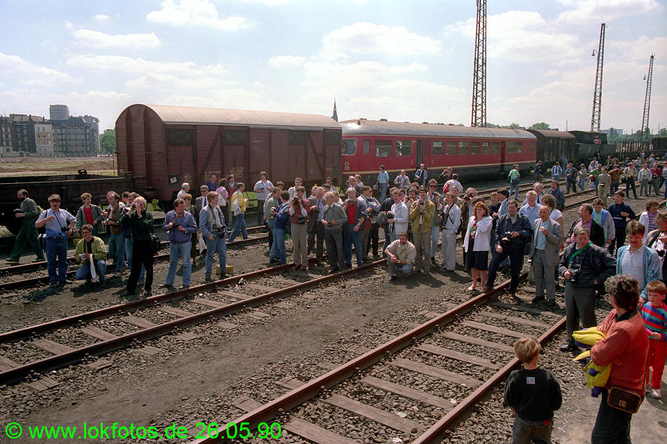 http://www.lokfotos.de/fotos/1990/0526/10331.jpg