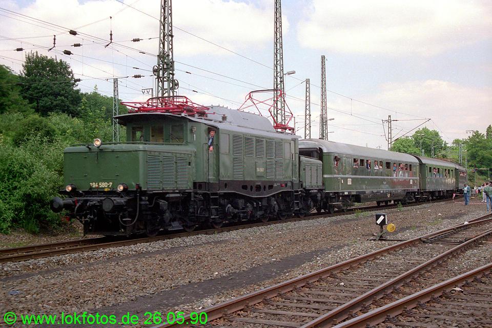 http://www.lokfotos.de/fotos/1990/0526/10337.jpg