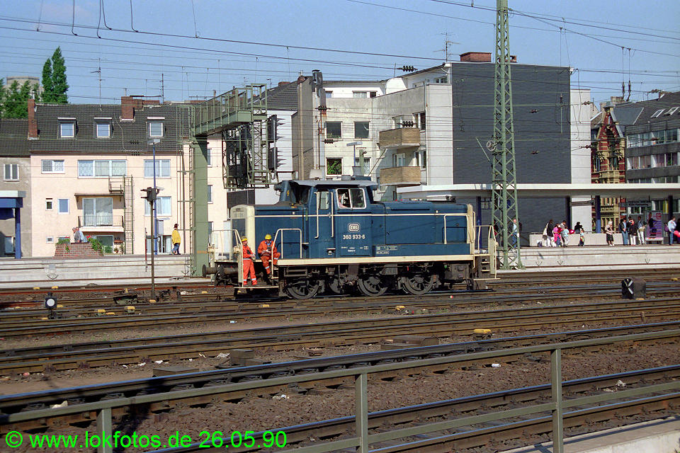http://www.lokfotos.de/fotos/1990/0526/10358.jpg