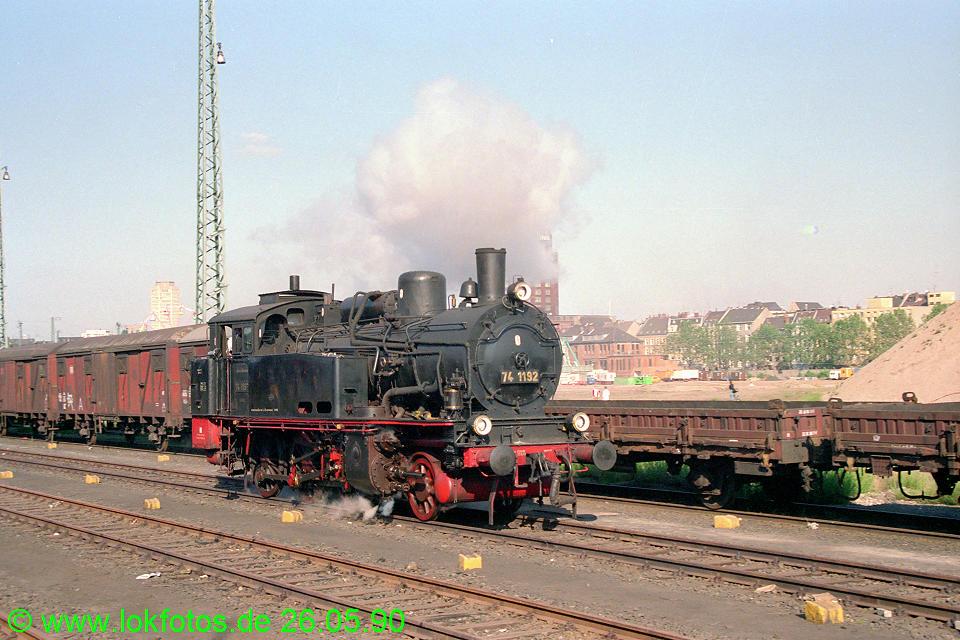 http://www.lokfotos.de/fotos/1990/0526/10365.jpg