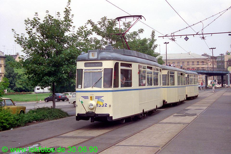 http://www.lokfotos.de/fotos/1990/0630/10445.jpg