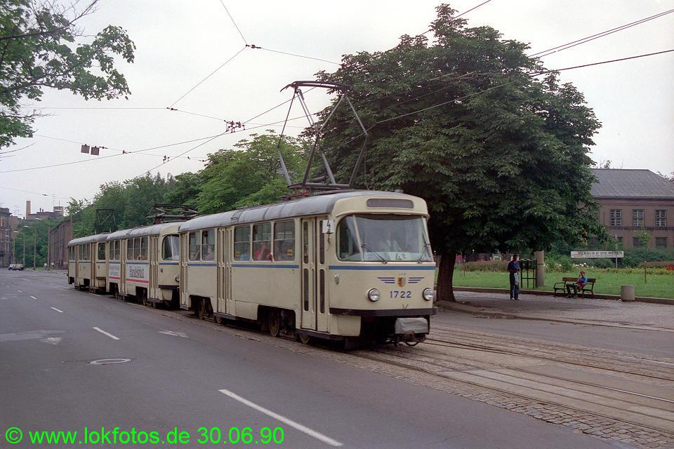 http://www.lokfotos.de/fotos/1990/0630/10453.jpg