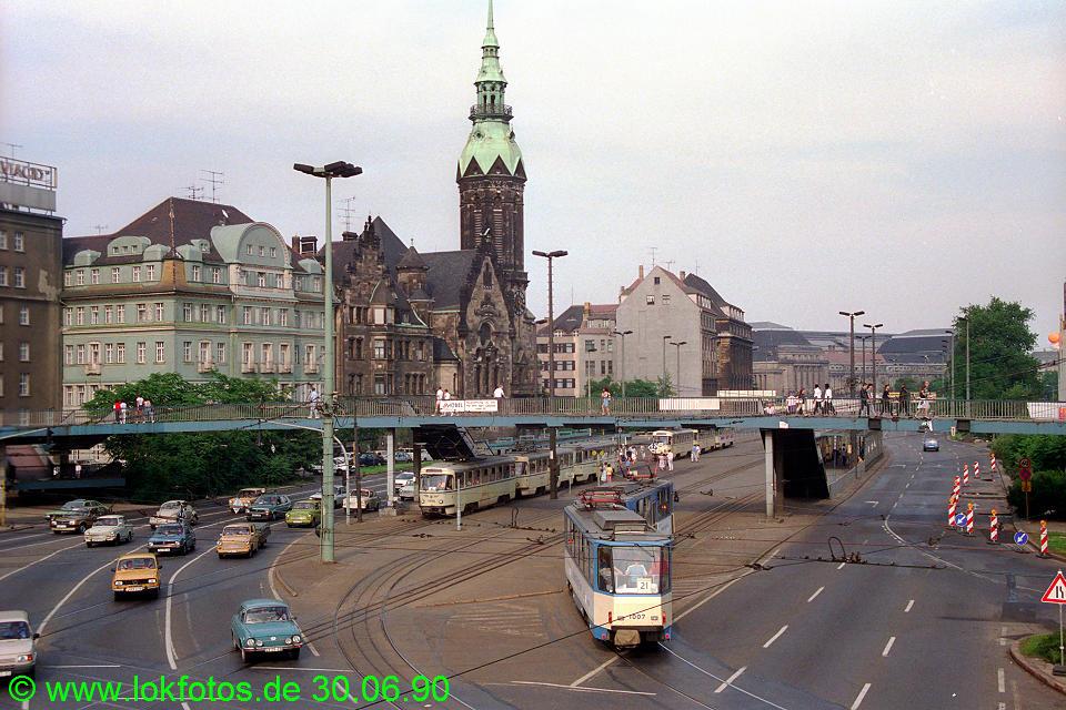 http://www.lokfotos.de/fotos/1990/0630/10469.jpg