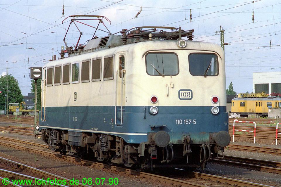 http://www.lokfotos.de/fotos/1990/0706/10494.jpg