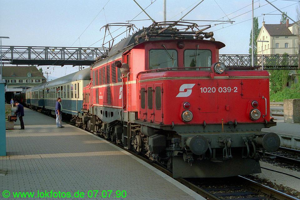 http://www.lokfotos.de/fotos/1990/0707/10500.jpg