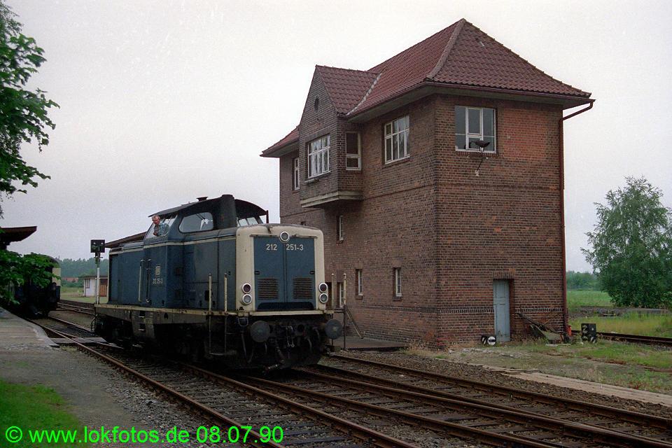 http://www.lokfotos.de/fotos/1990/0708/10519.jpg
